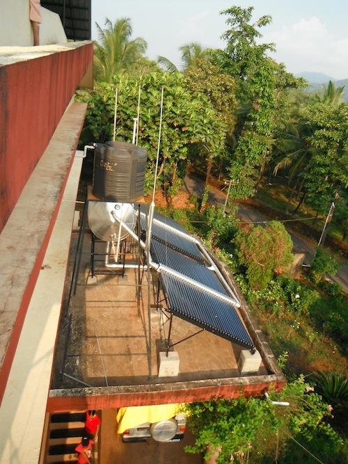 Solarthermieanlage auf dem Mädchenheim Anugraha