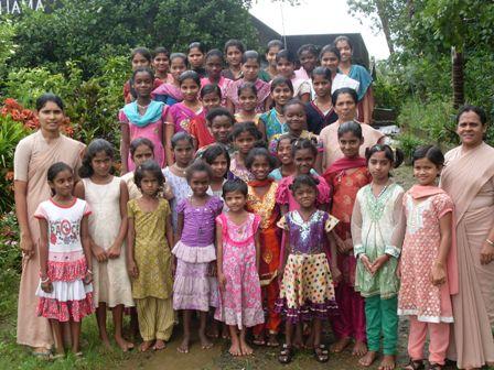 Bildung für Mädchen im Mädchenheim Shanti Dhama