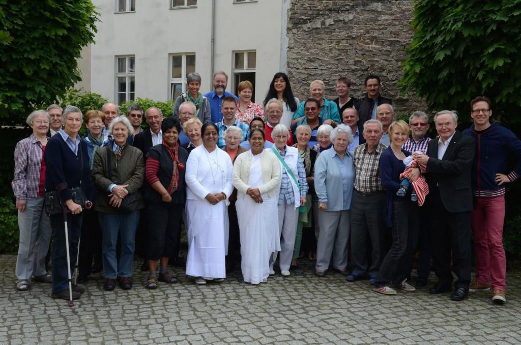 Vertreter der elf Helfervereine der Helpers of Mary auf dem diesjährigen Jahrestreffen in Berlin.