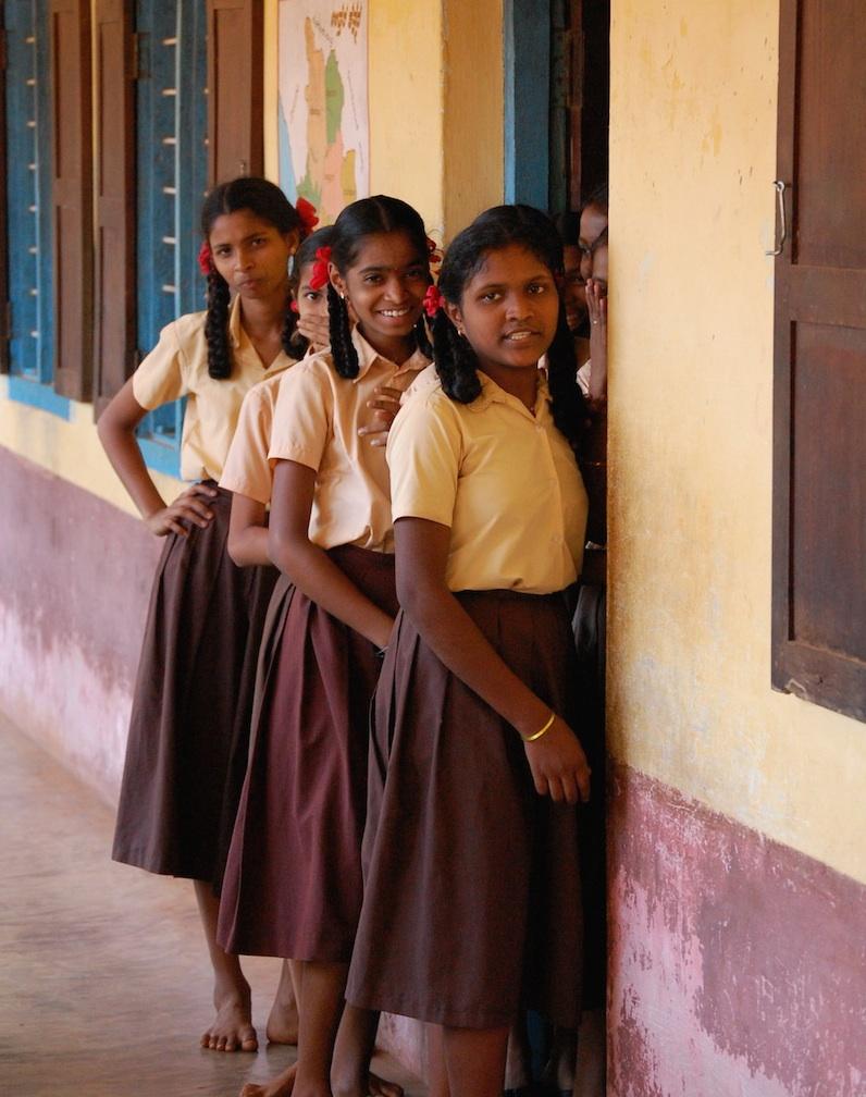 Zehntklässlerinnen wie diese Mädchen aus Anugraha sollen künftig auch eine Chance haben, über LIFT ein College zu besuchen.