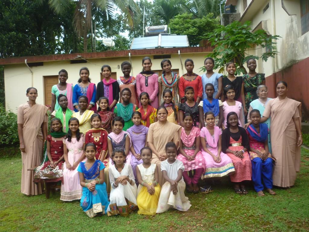 Schwestern und Mädchen in Anugraha