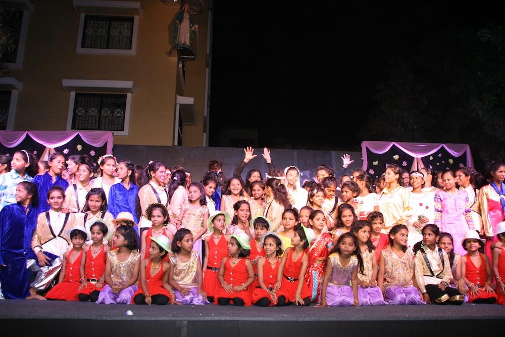 Tanz, Gesang und Schauspiel liegt den Kindern im Blut. Das Musical wurde in wenigen Wochen unter professioneller Aufsicht eingeübt.