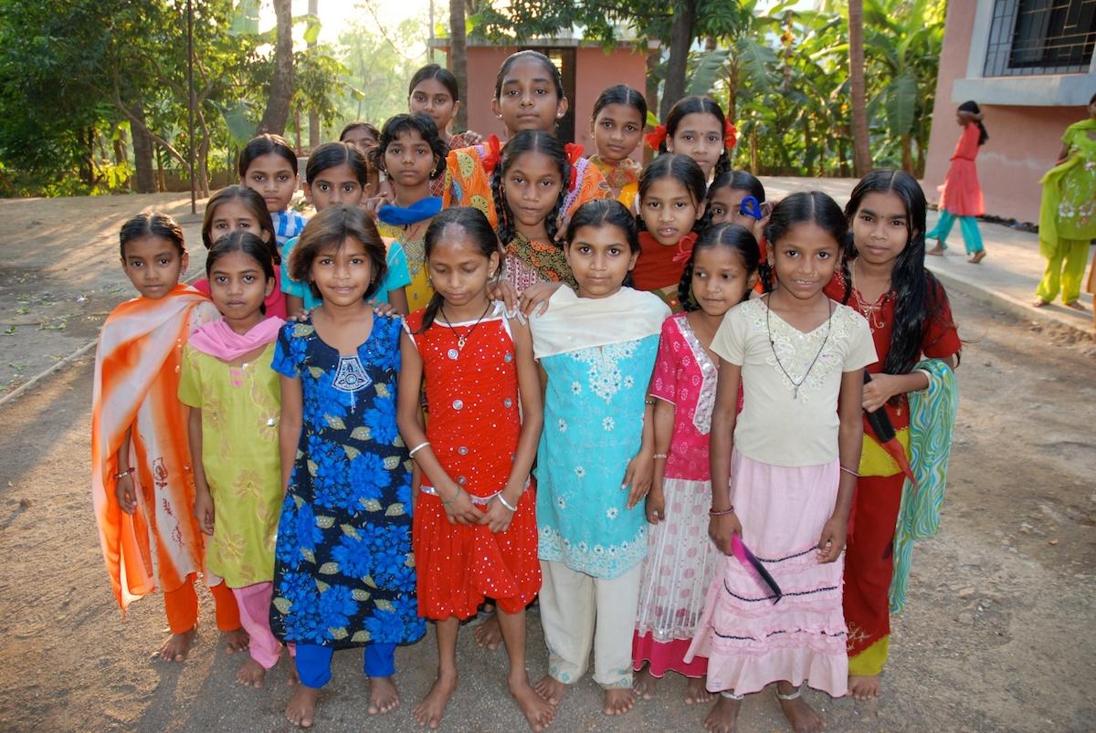 Aduvasi-Mädchen in Dadra