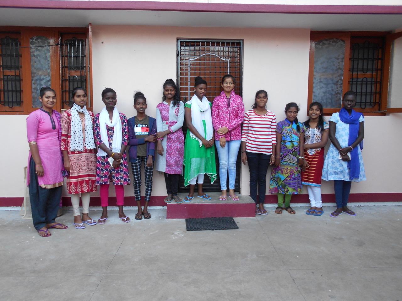 Neuzugänge in Premanjali (11. Klasse)