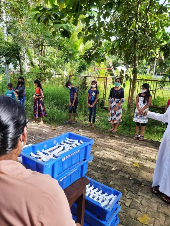 400 Kinder erhalten Corona Hilfe